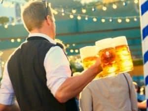 Bier, Haxen, Brezeln - das alles gehört zu München und zum Oktoberfest