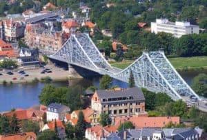 """Brücke """"Blaues Wunder"""" über die Elbe in Dresden"""