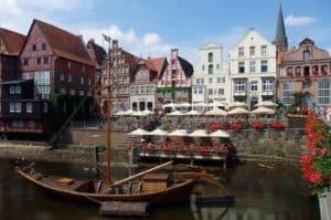 Lüneburg - im Herzen der Lüneburger Heide und Stadt der Roten Rosen