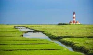 Leuchttürme an der Nordsee - hier der Westerhever Leuchtturm