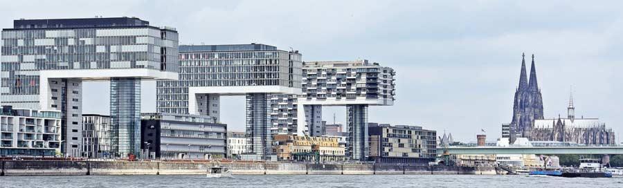 Kölner Kranhäuser und Dom