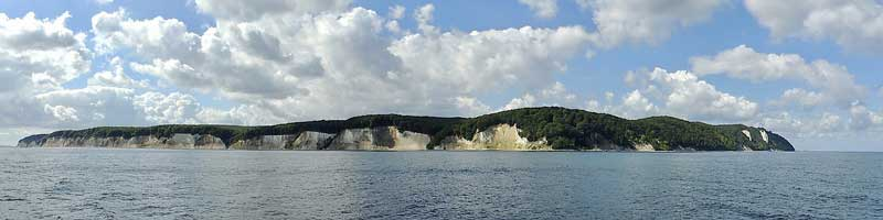Die Steilküsten mit Kreidefelsen der Insel Rügen