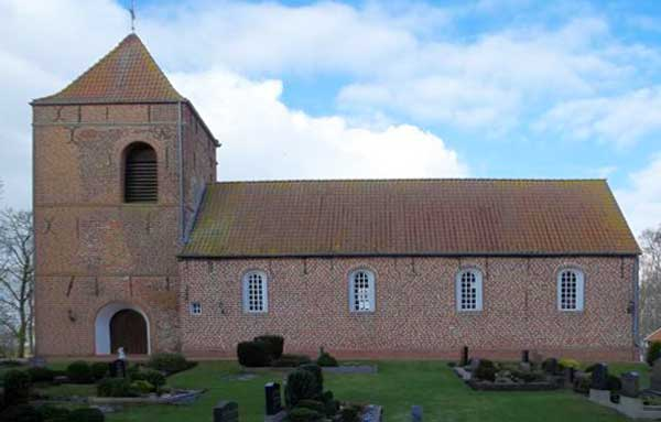 Die wuchtige Kirche in Bedekapsel (Copyright: www.deutschlandreise-online.de)