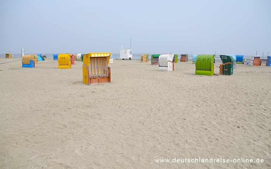 Der Sandstrand von Nessmersiel © Deutschlandreise