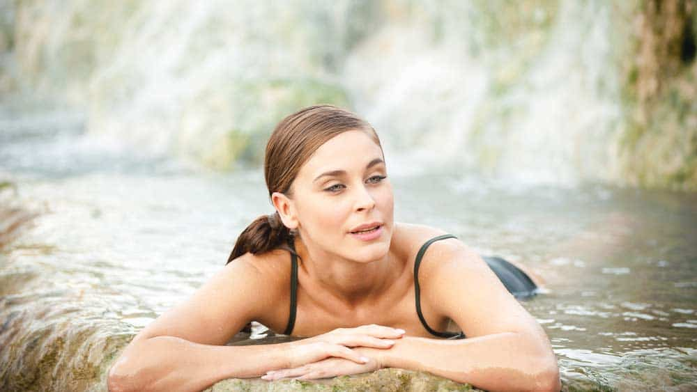 Baden im Thermalwasser (depositphotos.com)