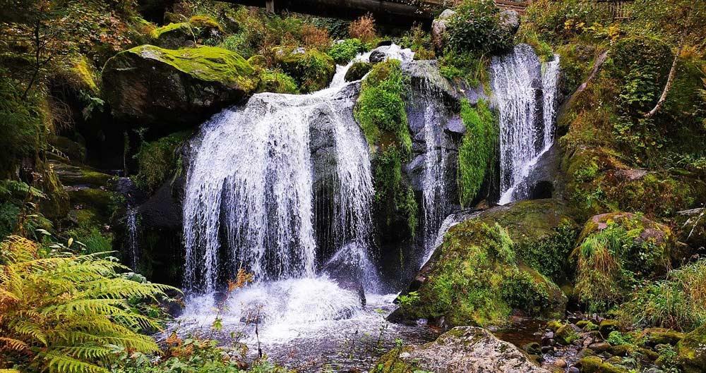 Wasserfälle im Schwarzwald sind beliebte Wanderziele