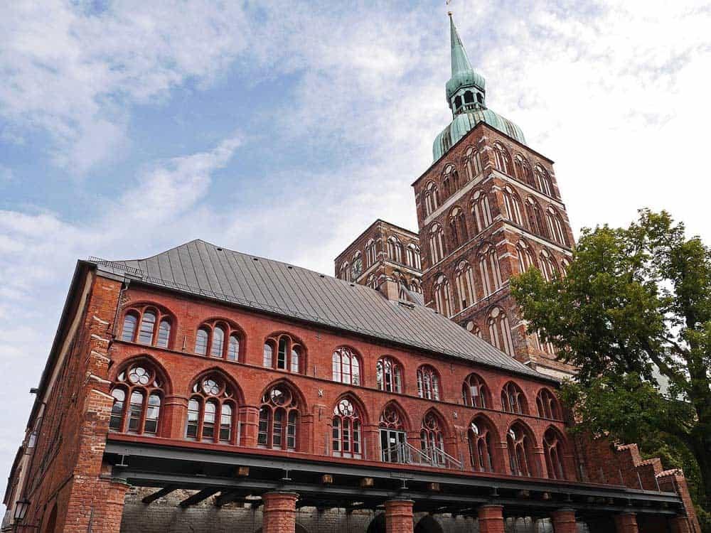 Stralsund mit Kirche und St. Nikolai